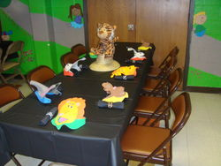 Jungle Theme Party Table