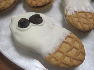 Boo! Scared you with more ghost cookies