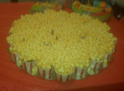 Hollywood Popcorn Cupcake Cake