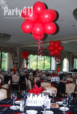 New York Theme PartyTable Decorations and Centerpieces