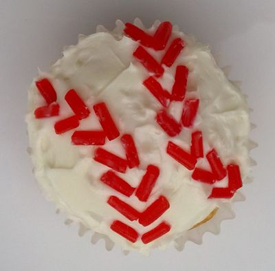 Baseball party ideas cupcakes