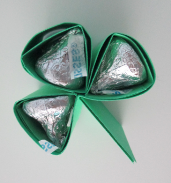 St Patricks Day Shamrock Party Favors Daily Party Dish
