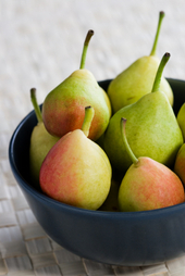 Pears_in_bowl_2